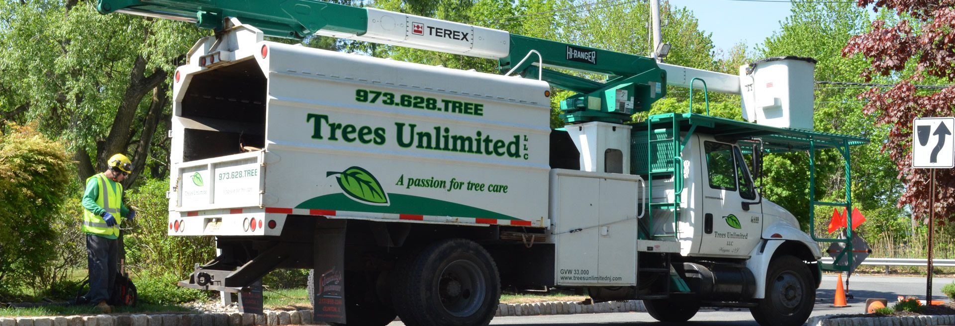 Trees Unlimited Vehicle and Staff Member